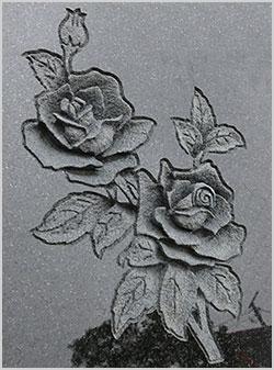 墓石 花柄の彫刻